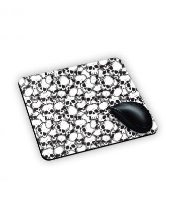 Tappetino da mouse con teschi bianchi e neri